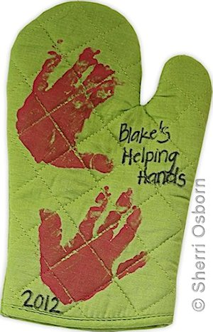 how to make a helping hands oven mitt