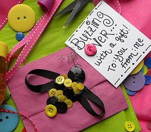 Make a Button Bumblebee