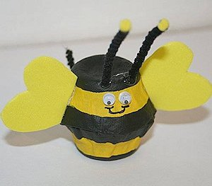 Make a Egg Cup Bee Craft