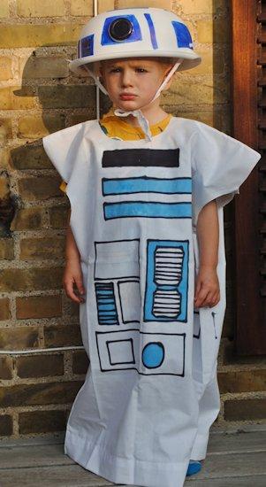 R2D2 pillowcase costume