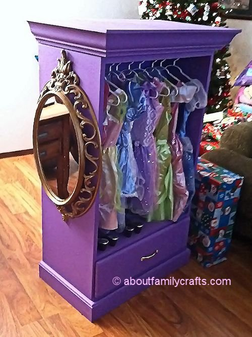 Snow White Mirror On Dress Up Armoire