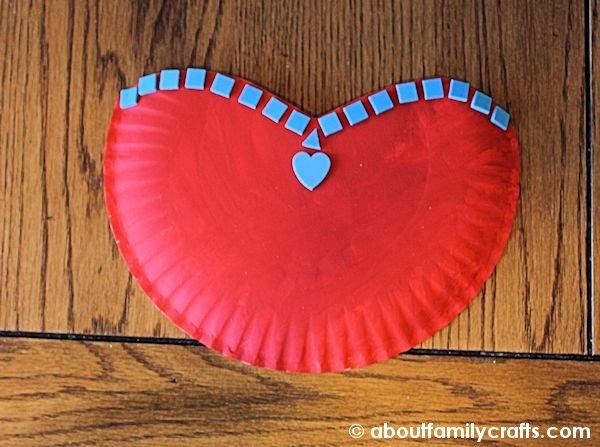 Paper PLate Bosom Heart