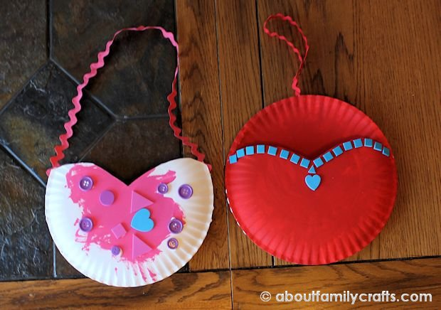 How to Make a Paper Plate Heart Pocket & Paper Plate Heart Pocket u2013 About Family Crafts