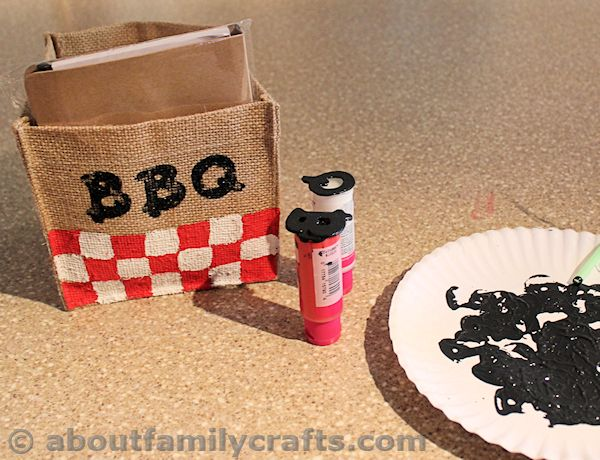 Stamp a BBQ onto the Burlap Box