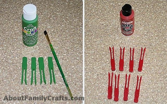 Paint the clothespins for the poinsettia