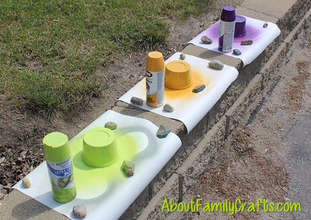 spray paint the margarine tubs