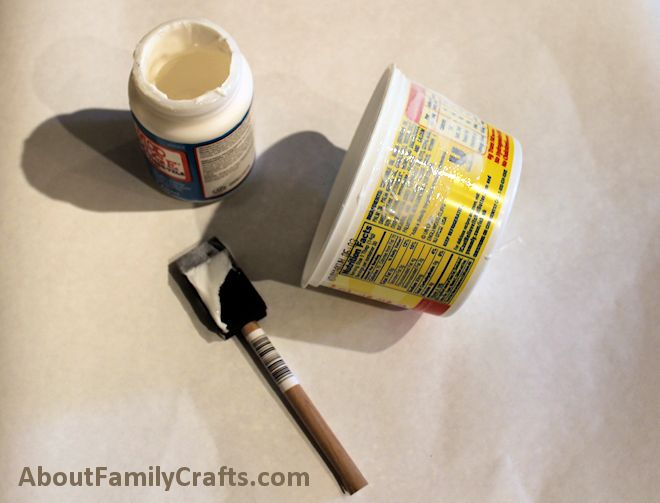 paint some mod podge on the margarine tub