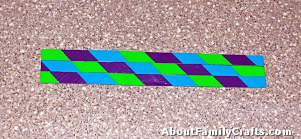 trim duct tape bracelet