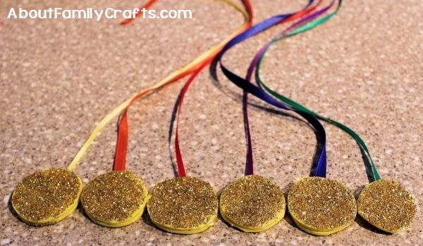 How to glue ribbon to coins