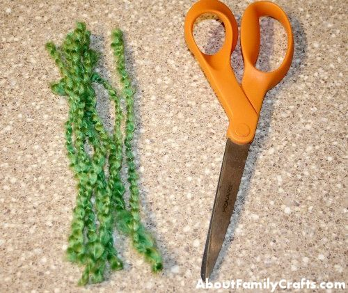 Cut the yarn for the jelly fish