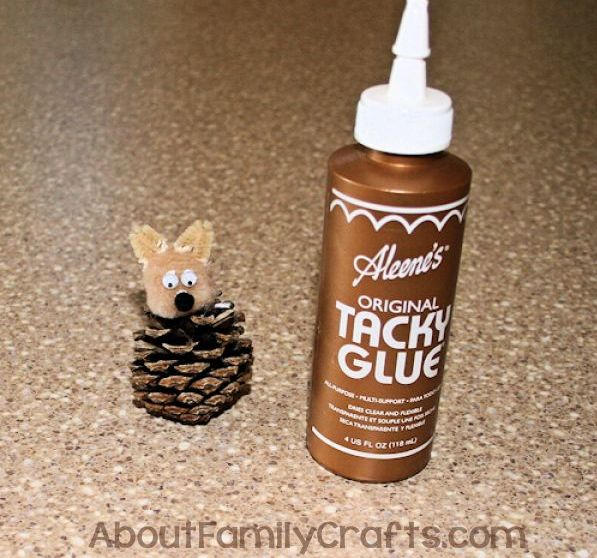 DIY Pine Cone Squirrel Face