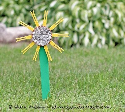 Clothespin Sunflower Craft